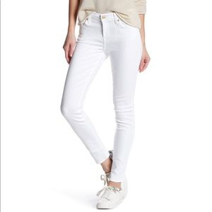 NWOT 7 For All Mankind White Skinny Jeans